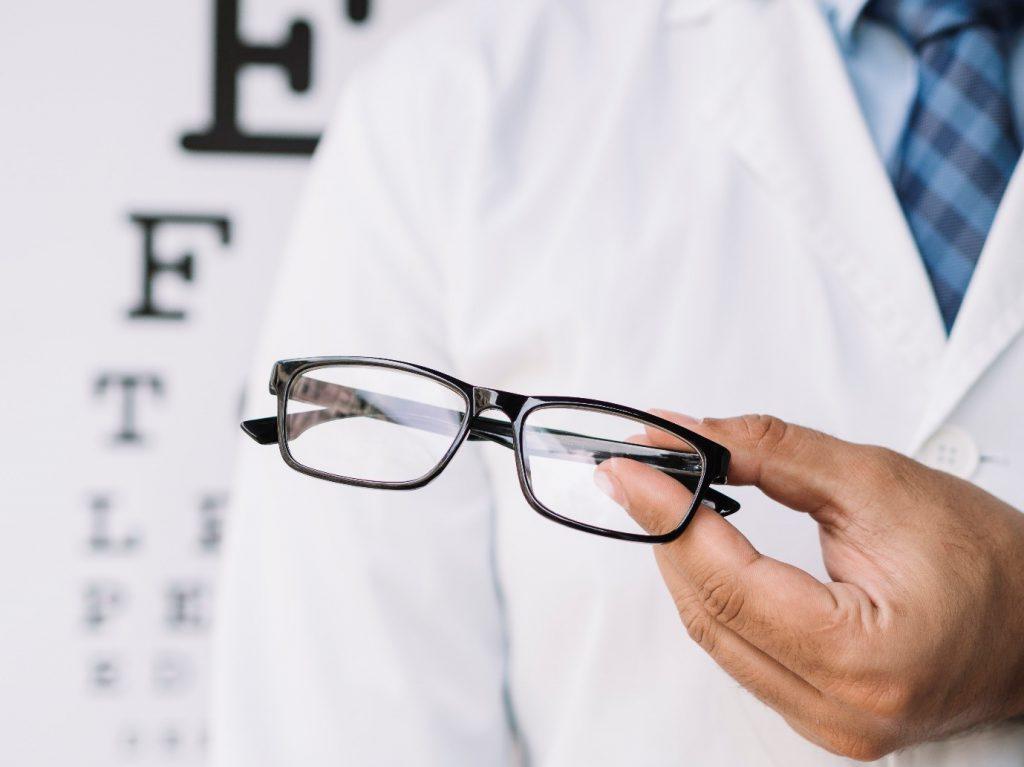 شرایط دریافت هزینه عینک از بیمه تکمیلی